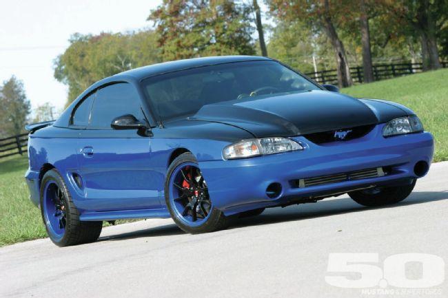 Ford-Mustang-Rival-Son-Mustang-Magazine-wallpaper-wp422656-1