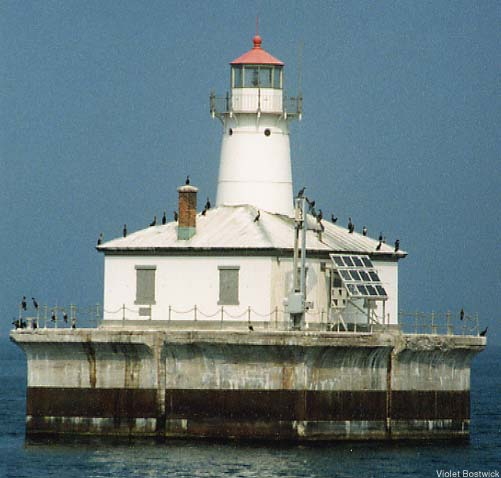Fourteen-Foot-Shoal-Lighthouse-Cheboygan-Michigan-wallpaper-wp425555