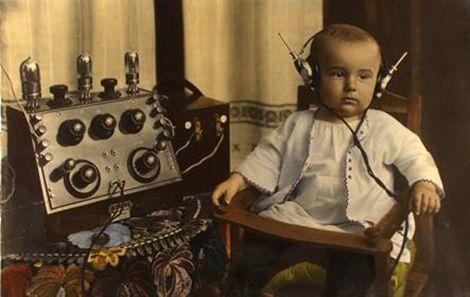 Franz-Fiedler-Radiobaby-wallpaper-wp5604974