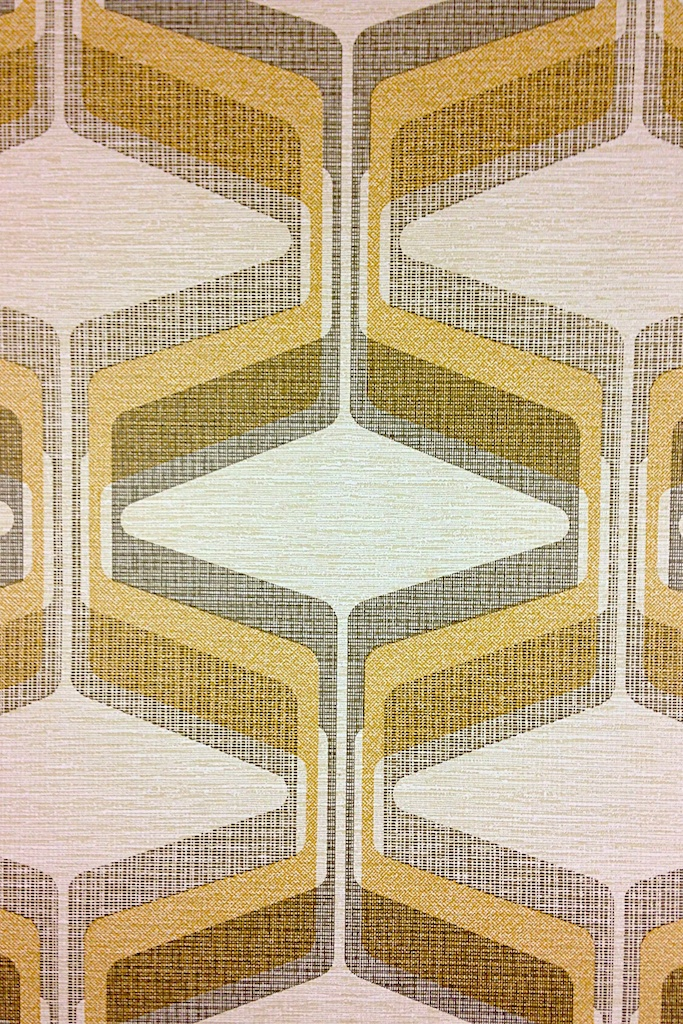 Funky-Geometric-Original-seventies-with-funky-geometric-yellow-colored-pattern-wallpaper-wp3005956