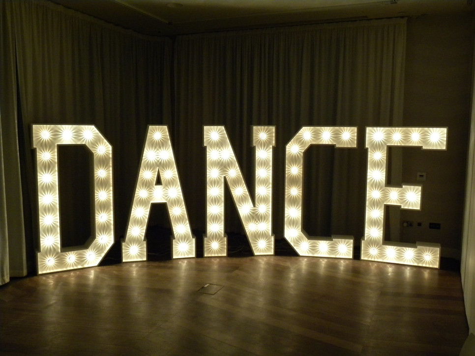 GIANT-LETTERS-COOL-s-style-personalised-letters-names-wedding-dance-floor-decoration-MUS-wallpaper-wp4606216