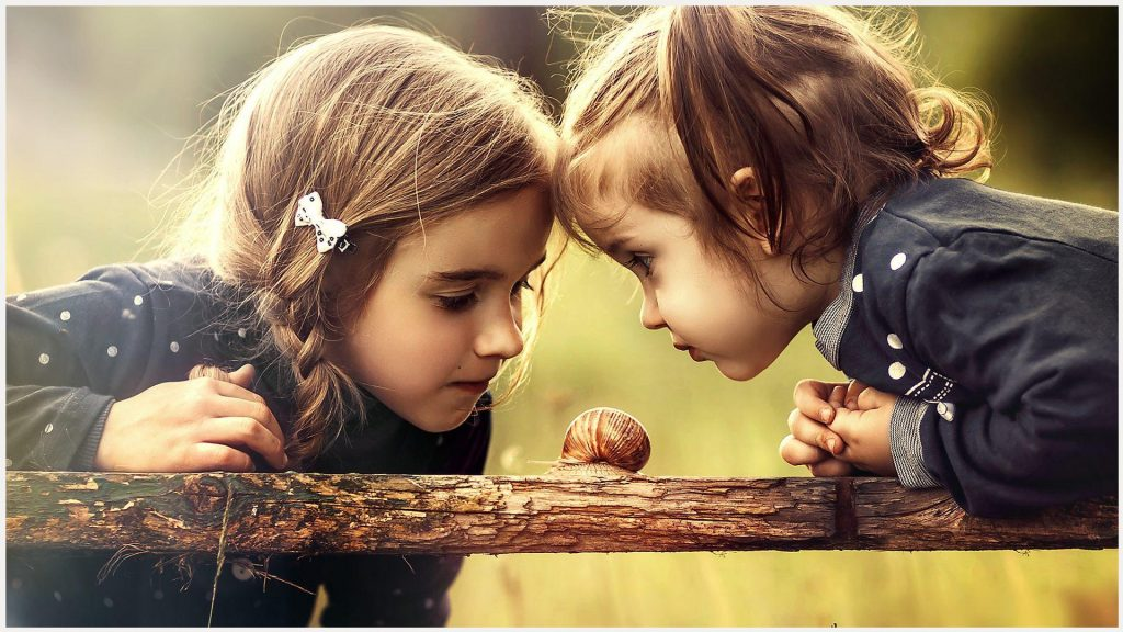 Girls-Looking-Snail-Cute-girls-looking-snail-cute-1080p-girls-looking-s-wallpaper-wp3401062