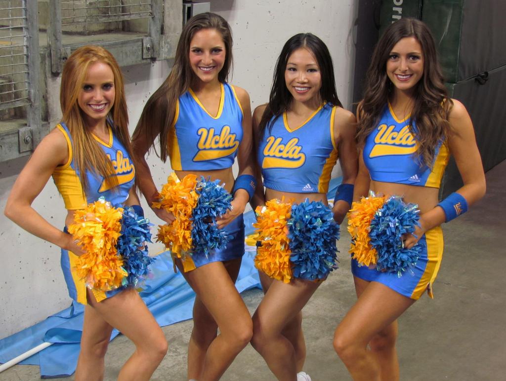 Gorgeous-UCLA-Cheerleaders-wallpaper-wp4407542