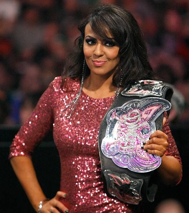 Gorgeous-WWE-Diva-Layla-El-wallpaper-wp580282
