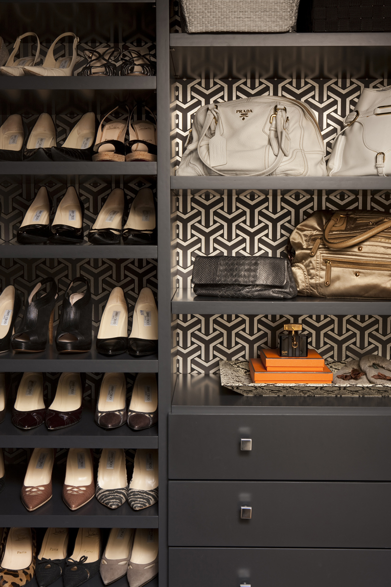 Gray-shelves-lined-with-wallpaper-wp5207175
