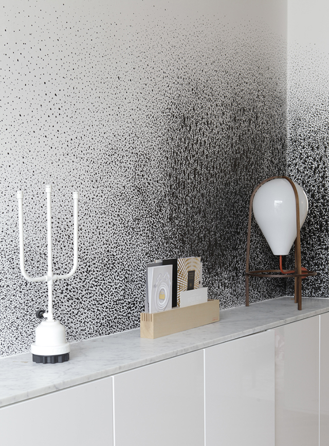 Gregoire-De-Lafforest-Architects-Designs-the-Rue-Voltaire-Apartment-splatter-wallpaper-wp5008201