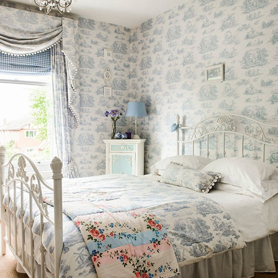 Guest-bedroom-Take-a-tour-around-a-detached-Edwardian-home-in-Worcestershire-House-tour-PHOTO-wallpaper-wp425902-1