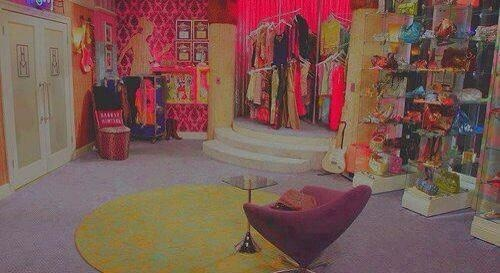 Hannah-Montana-s-closet-its-my-dream-closet-wallpaper-wp3006446