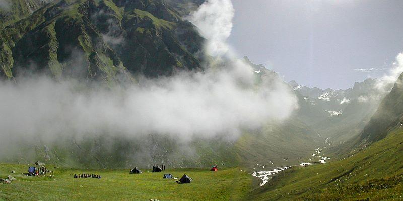 Having-the-fun-of-Camping-Trekking-wallpaper-wp5806325