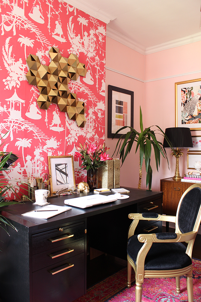 How-to-Create-a-Good-Feature-Wall-with-wallpaper-wp3006747