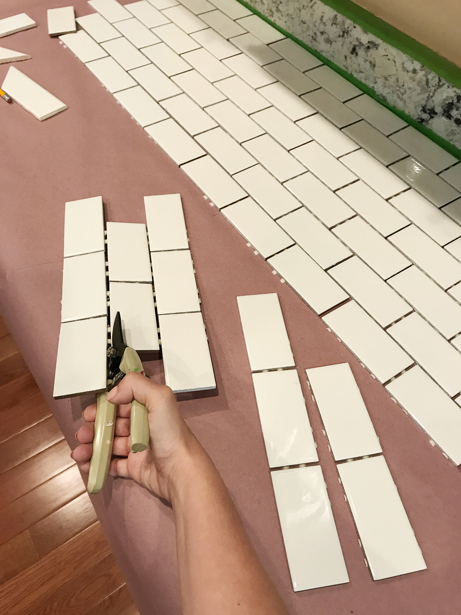 How-to-add-a-subway-tile-backsplash-wallpaper-wp4005372-1