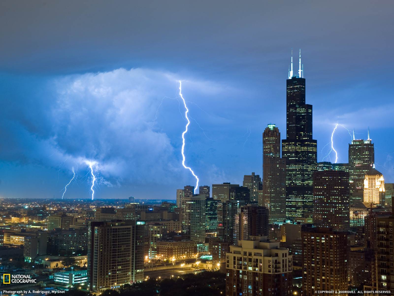 I-m-sitting-in-my-apartment-watching-the-lightening-on-the-lake-ironic-thunderstorms-Chicago-wallpaper-wp3407223