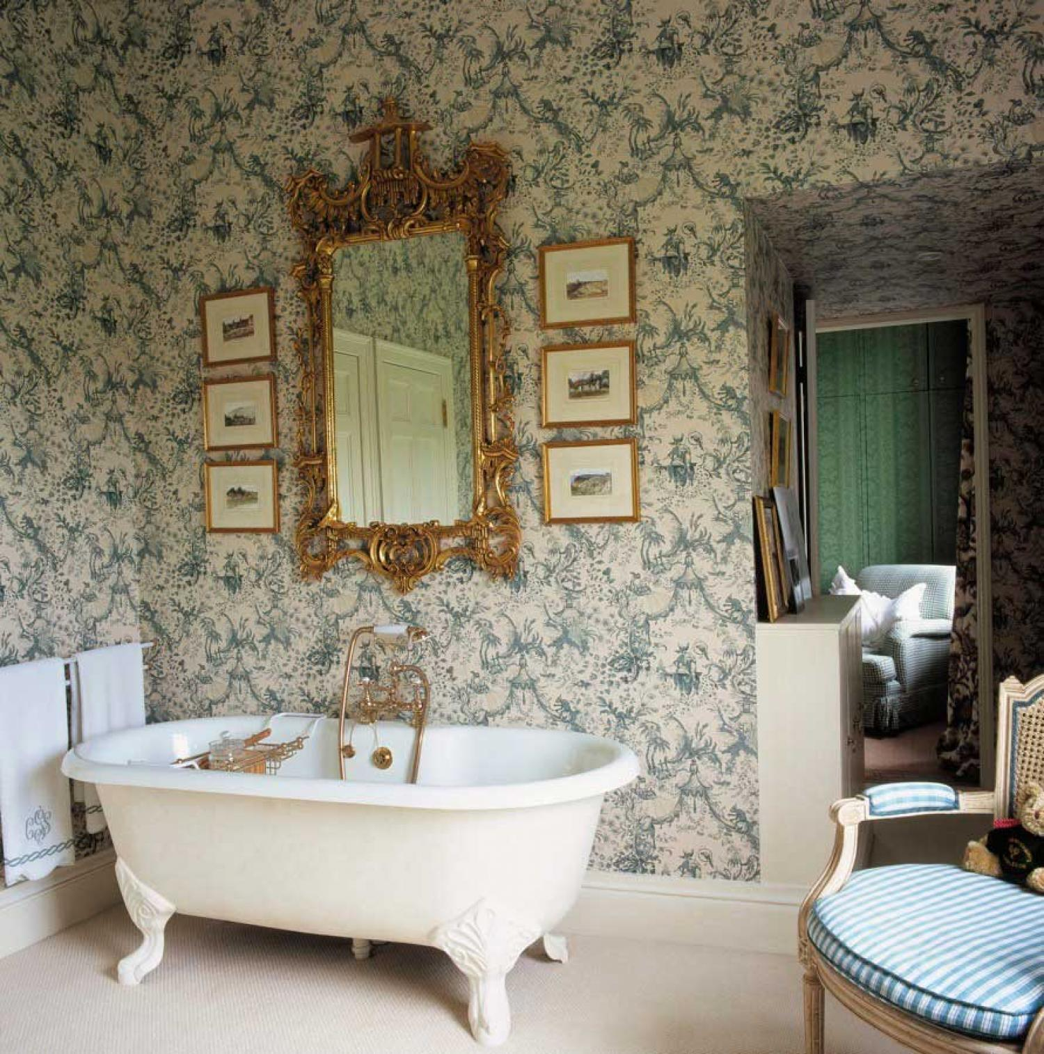 Ideas-of-Victorian-Interior-Design-Design-a-Room-Always-wanted-a-tub-like-this-wallpaper-wp422108-1
