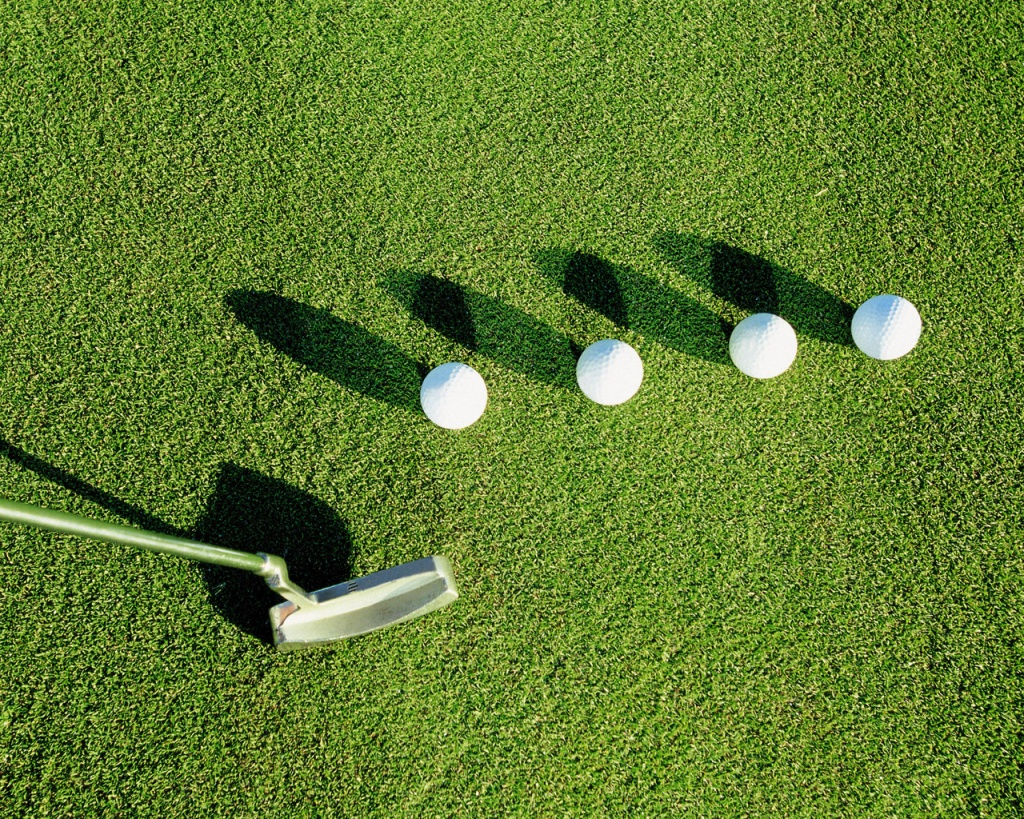 If-you-have-been-planing-to-start-playing-golf-for-a-long-time-and-yet-not-be-able-to-join-a-club-wallpaper-wp3407247