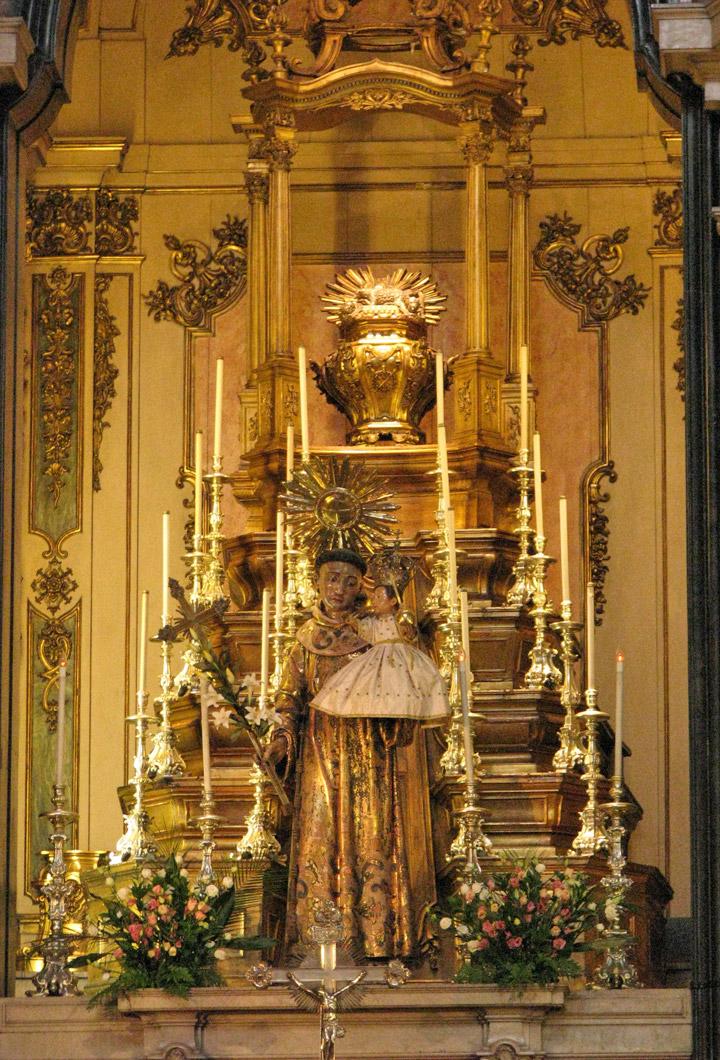 JUNE-ST-ANTHONY-Altar-in-St-Anthony-s-Church-Lisbon-wallpaper-wp5807202-1