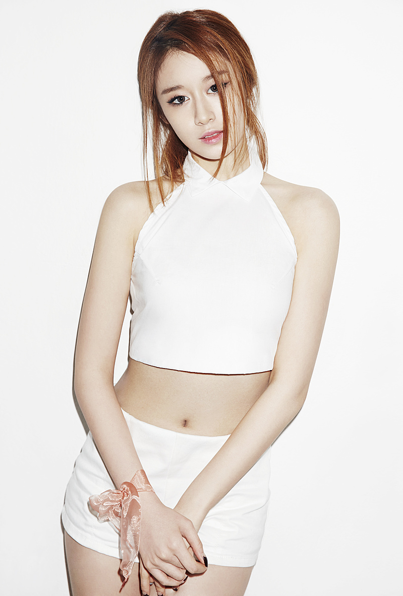 Ji-Yeon-Never-Ever-Debut-Solo-Mini-Album-Promotional-Single-Min-Sec-wallpaper-wp4607391-1