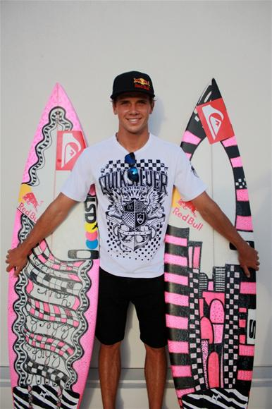 Julian-Wilson-ambassador-of-the-Breast-Cancer-foundation-has-pink-surfboards-in-honor-of-his-mom-w-wallpaper-wp5606100