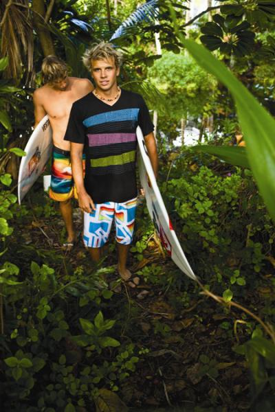 Julian-Wilson-and-Clay-Marzo-Surfer-boys-wallpaper-wp5606097