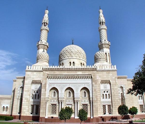 Jumeirah-Grand-Mosque-Dubai-UAE-Image-Credit-Elvis-Payne-wallpaper-wp6004346