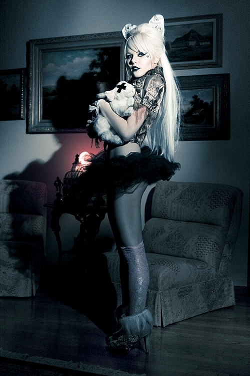 KERLI-I-love-this-girl-and-she-finally-has-her-sophmore-album-due-out-summer-^-Integri-wallpaper-wp3007698