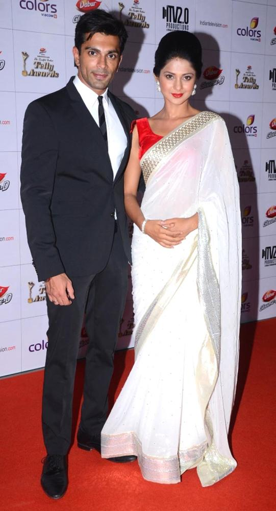 Karan-Singh-Grover-and-Jennifer-Winget-at-the-Indian-Telly-Awards-Bollywood-Fashion-wallpaper-wp5208338