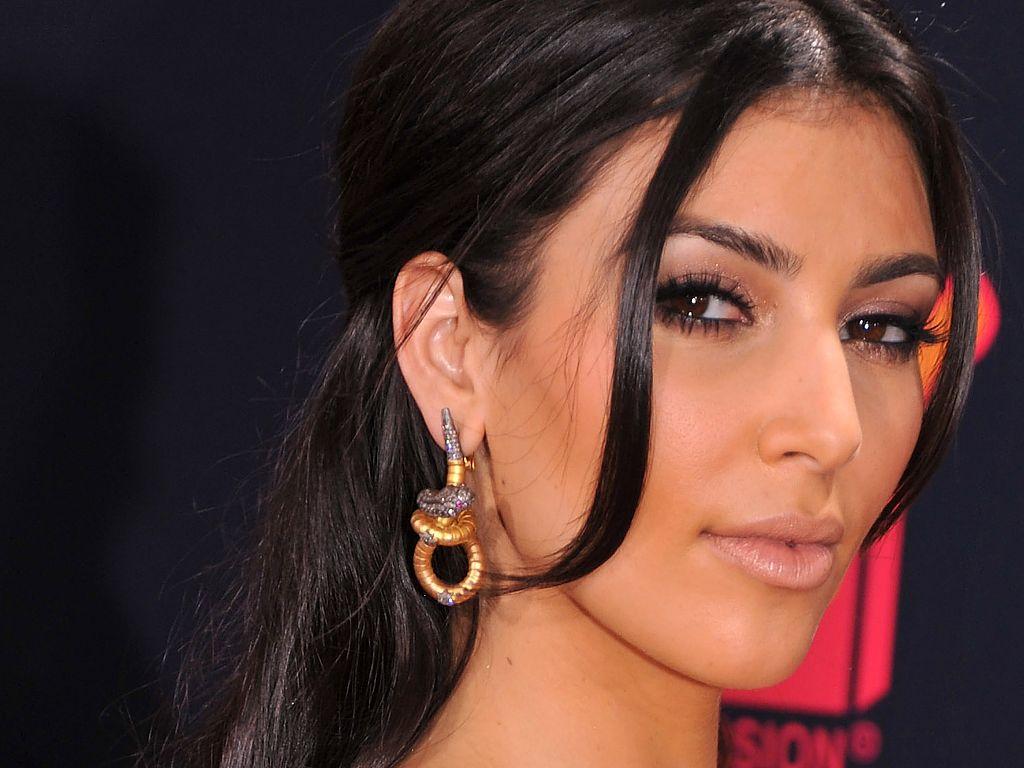 Kim-Kardashian-High-Quality-Download-Free-1920×1080-Kim-Kardashian-Picture-wallpaper-wp3407805