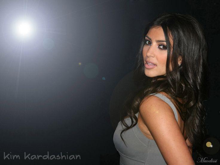 Kim-Kardashian-Style-Kim-Kardashian-Style-wallpaper-wp3407795