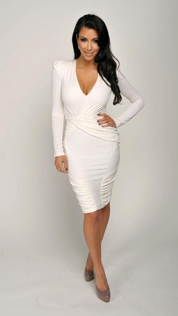 Kim-Kardashian-htc-one-1080x1920-Best-htc-one-wallpaper-wp3407786