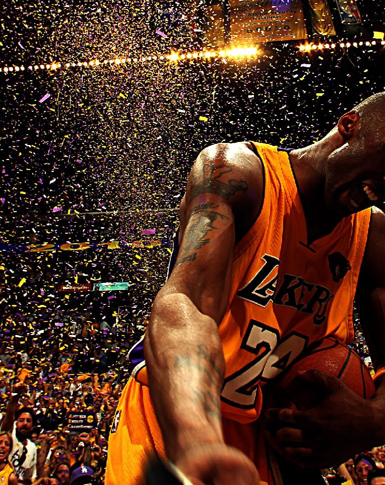 Kobe-Bryant-fut-déclaré-joueur-NBA-de-la-décennie-Il-remporte-avec-son-équipe-de-coeu-wallpaper-wp4808167
