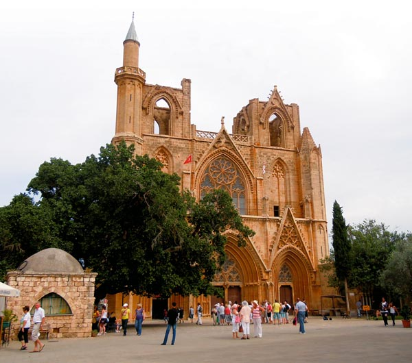 Lala-Mustafa-Pasha-Mosque-Famagusta-North-Cyprus-The-reason-this-mosque-looks-a-lot-like-a-cathe-wallpaper-wp6004516