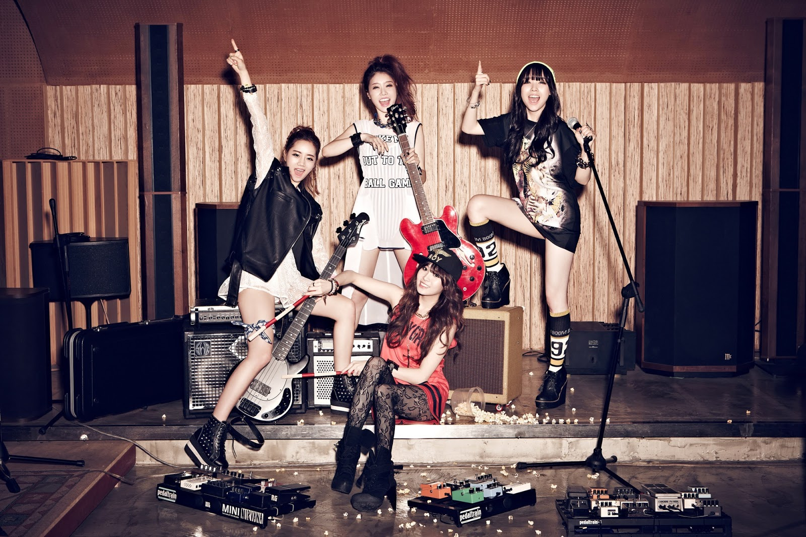 Latest-Kpop-Girl-s-Day-Music-Live-HD-HD-Quality-Also-downloa-all-of-Girl-s-Day-wallpaper-wp5807414