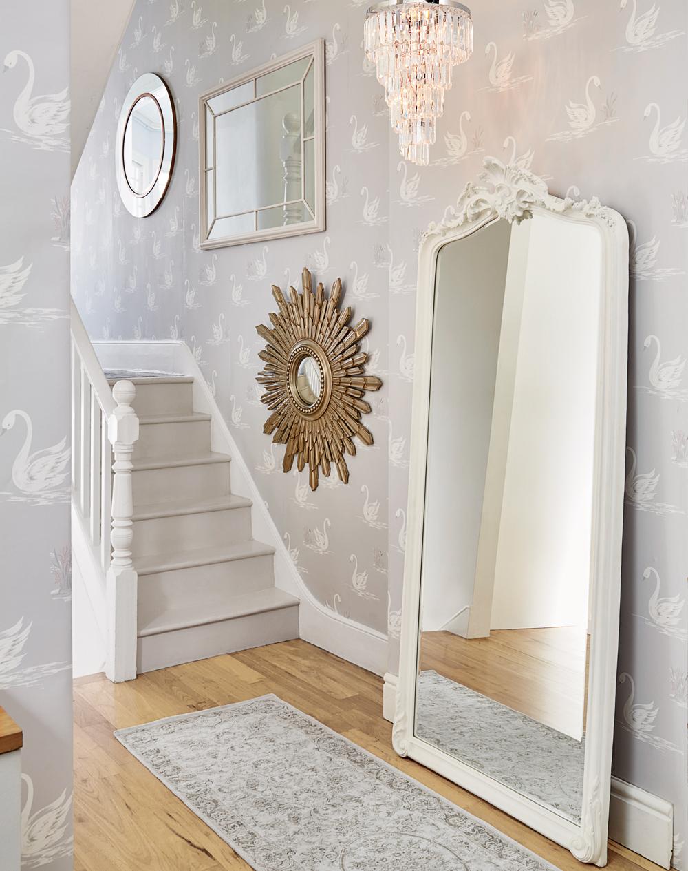 Laura-Ashley-AW-interiors-SilverSerenity-SilverSwans-wallpaper-wp5208670