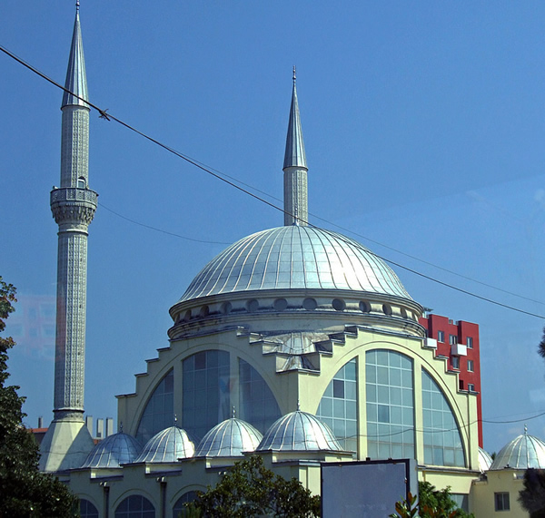 Lead-Mosque-Shkoder-Albania-Image-Credit-Beautiful-Mosques-wallpaper-wp6004569