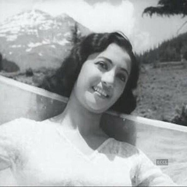 Legendary-actress-Suchitra-Sen-passes-away-wallpaper-wp427095