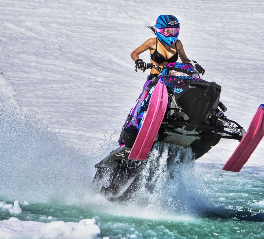 Maria-Sandberg-Snowmobiling-wallpaper-wp4409525