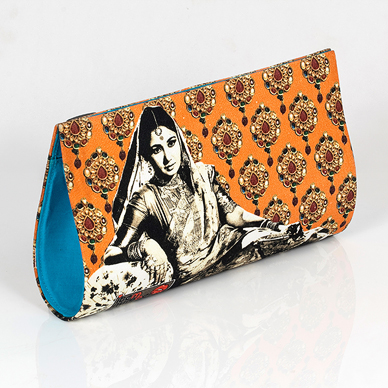 Meena-Kumari-Clutch-Item-Number-StoryLTD-com-Bollywood-Beautiful-Interesting-wallpaper-wp4608183-1