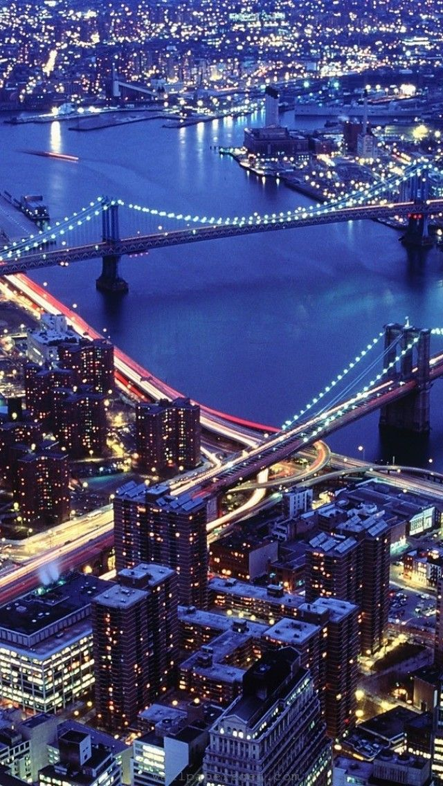 New-York-City-the-Brooklyn-Bridge-on-the-right-and-the-Manhattan-bridge-on-the-left-wallpaper-wp5808224-1