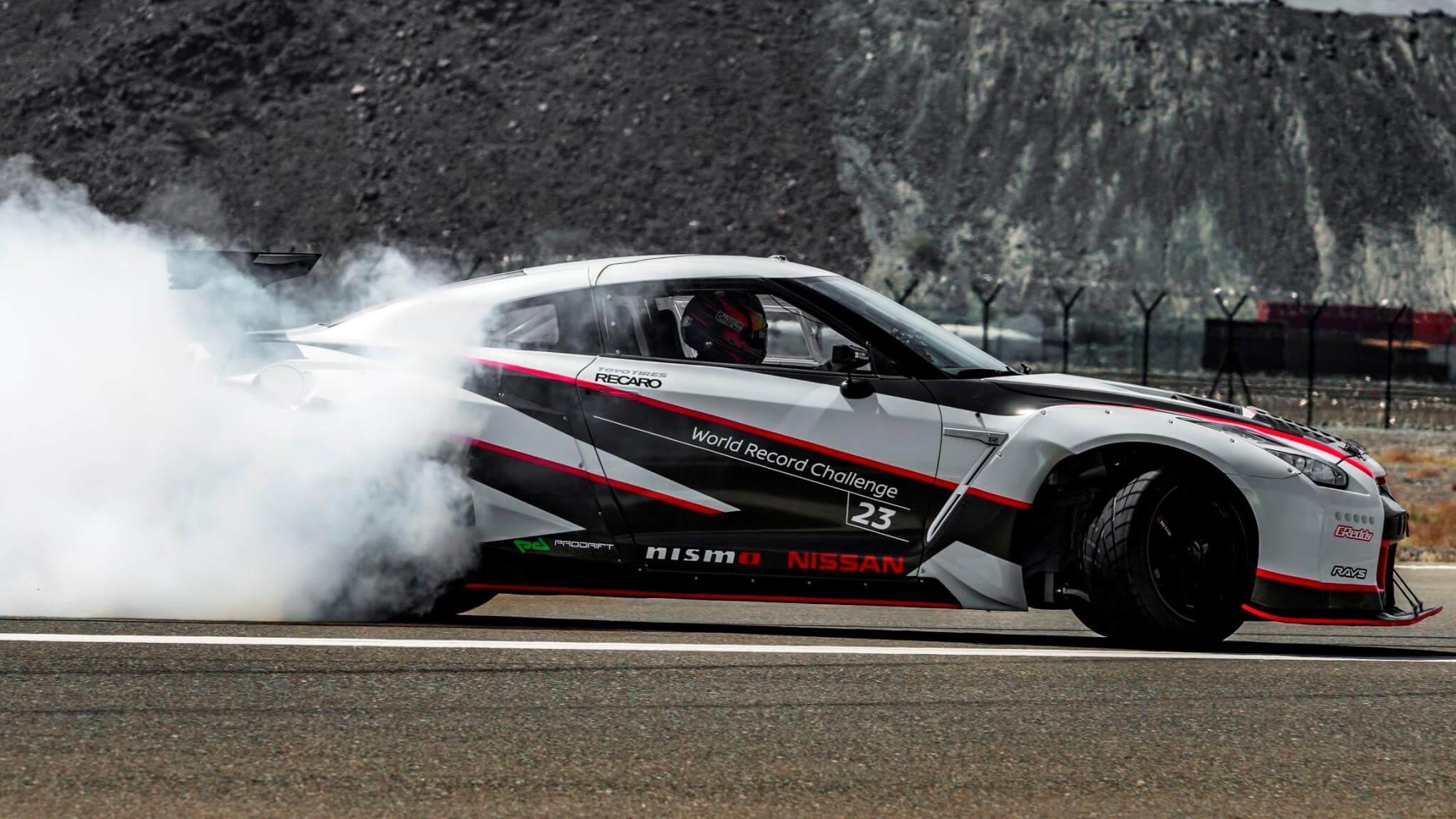 Nissan-GT-R-Nismo-World-Record-Drift-wallpaper-wp5801004