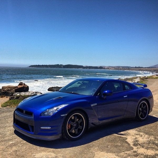 Download Nissan Gtr Wallpapers To Your Cell Phone: Fond D'écran Nissan GT R