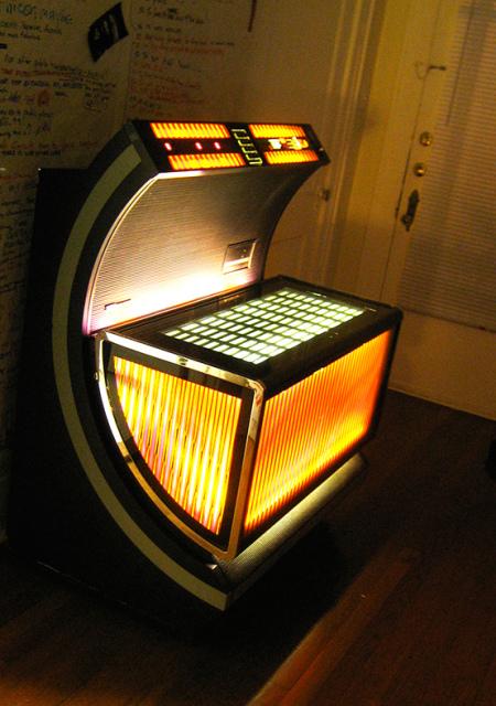 Nothing-like-a-good-jukebox-wallpaper-wp4809147