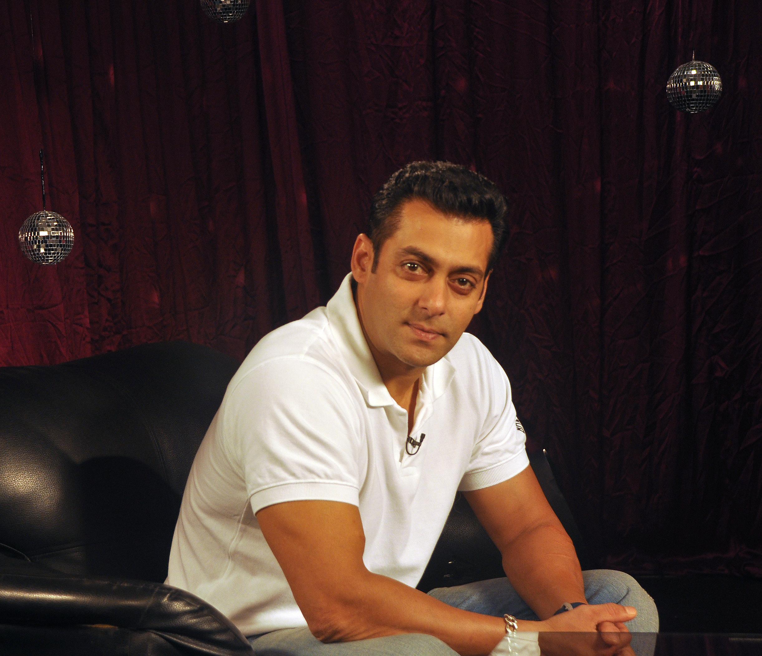 One-and-only-Salman-Khan-salmankhan-zoomtv-bollywood-wallpaper-wp4809213