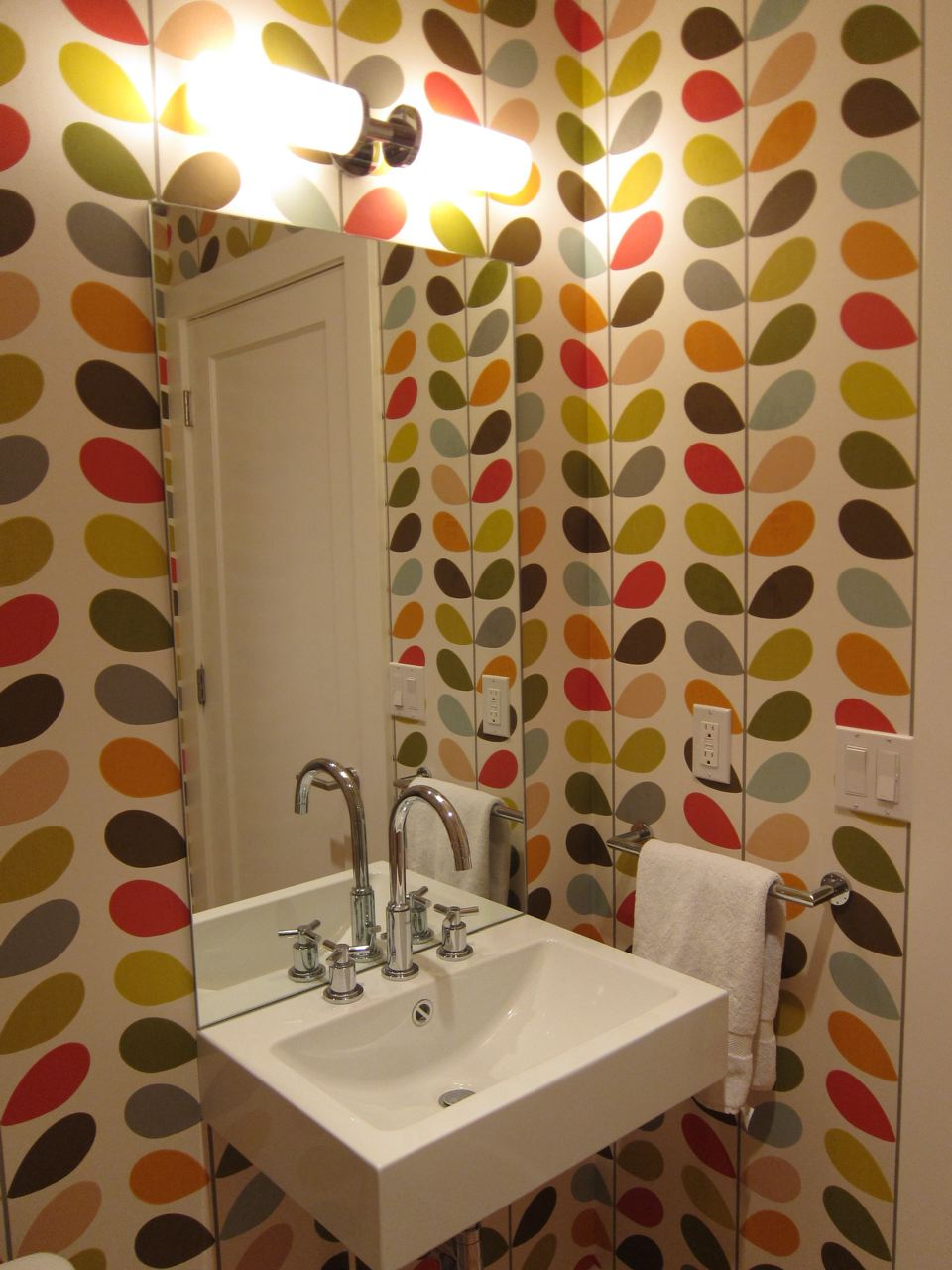 Orla-Kiely-available-at-www-removablewallpape-wallpaper-wp300740