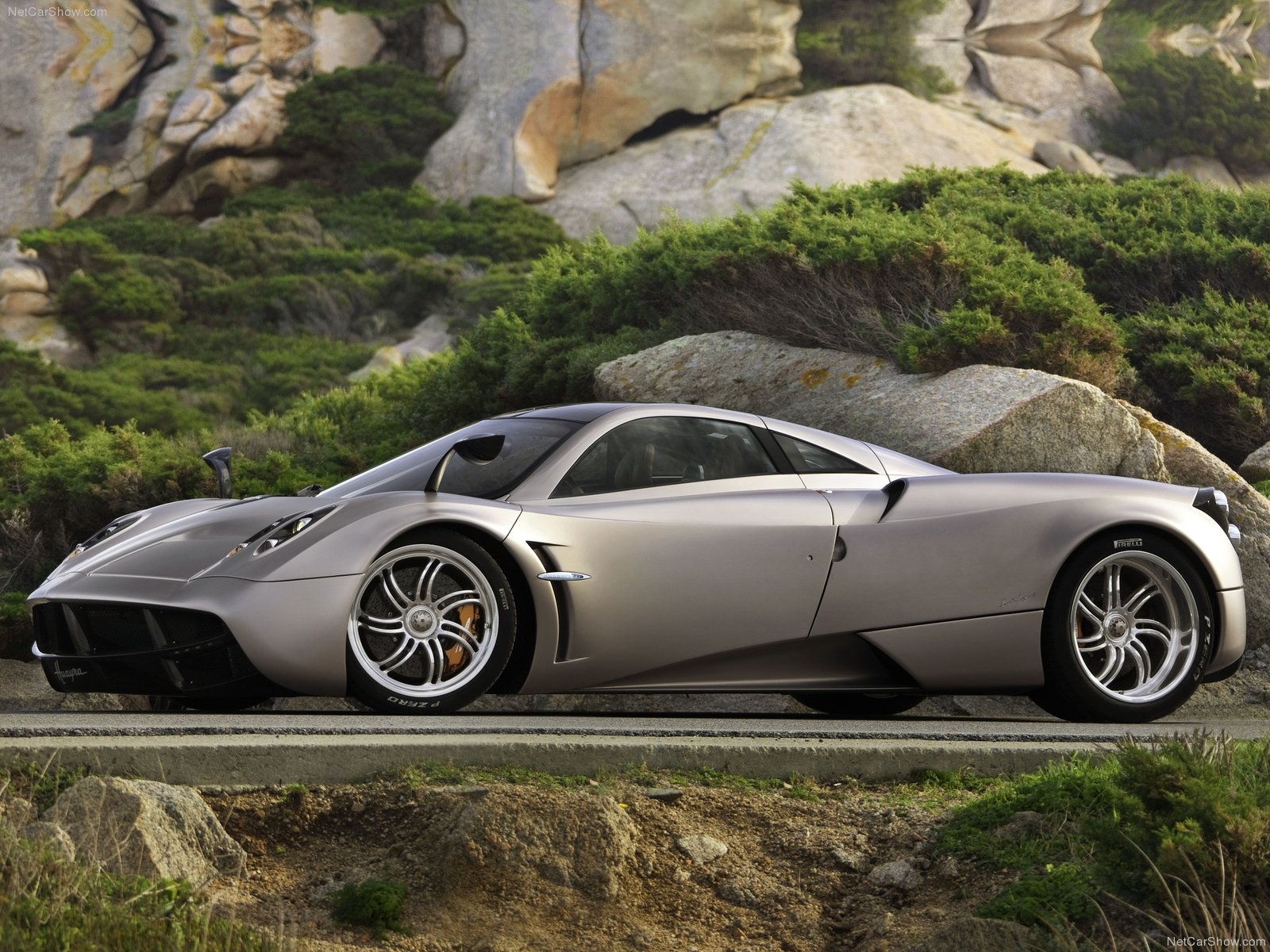 Pagani-car-wallpaper-wp421640-1