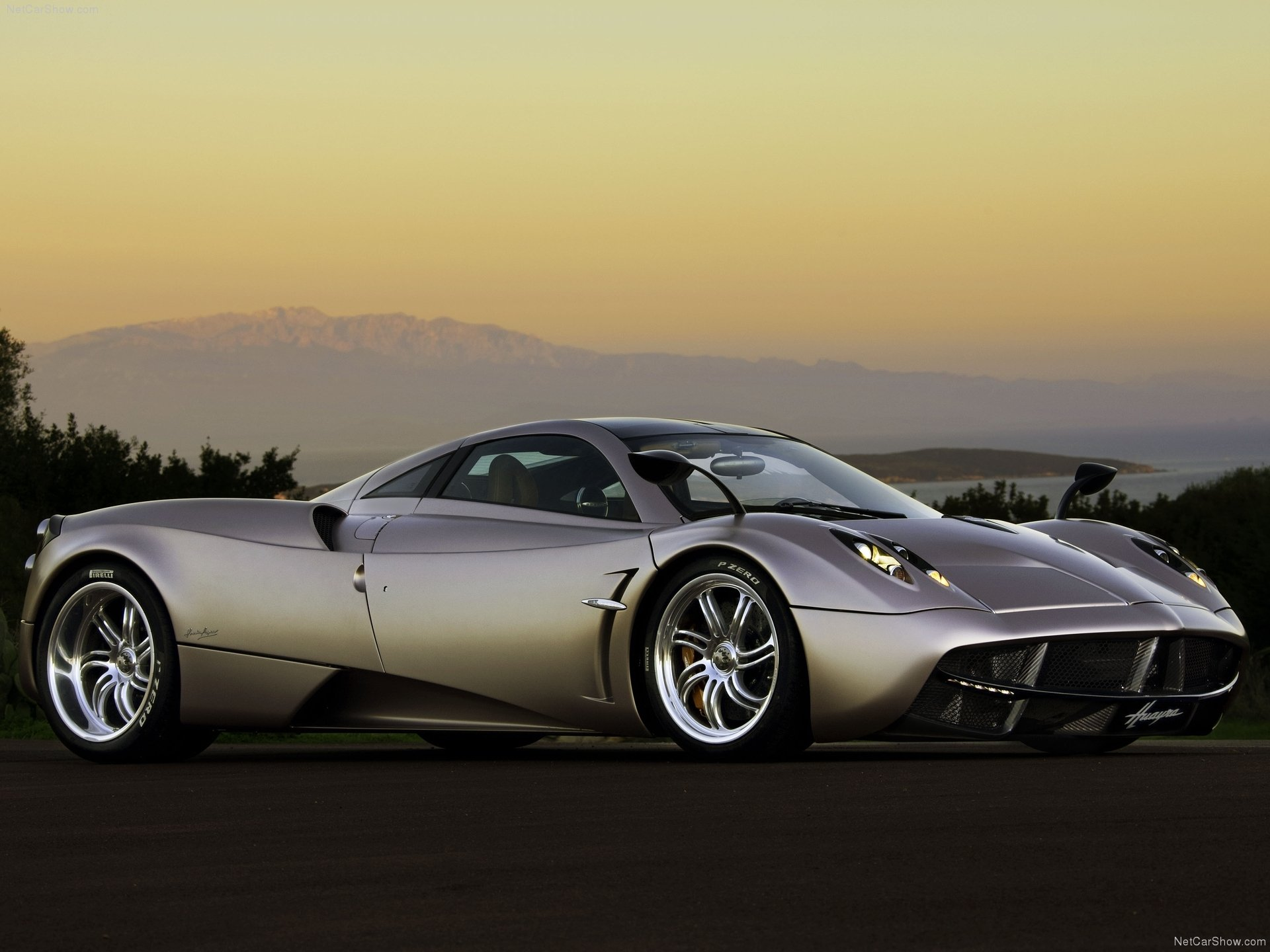 Pagani-car-wallpaper-wp421814-1