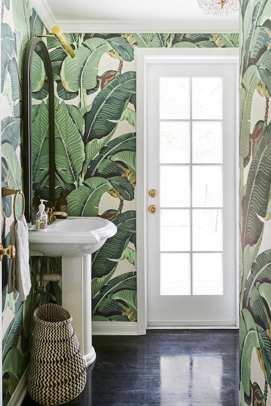 Palm-print-in-a-beautiful-light-bathroom-wallpaper-wp3009288