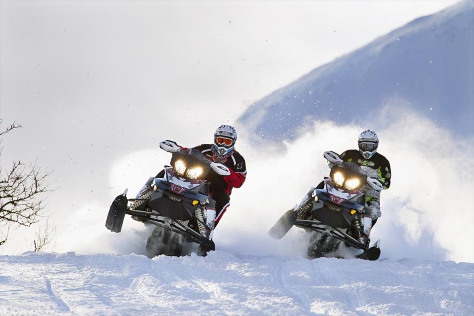 Polaris-Snowmobile-BRP-Lynx-Rave-RE-R-E-TEC-BRP-Lynx-Rave-RE-R-E-T-wallpaper-wp5808891