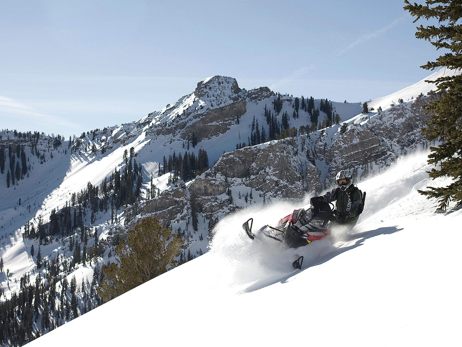 Polaris-Snowmobile-POLARIS-PRO-RMK-snowmobile-winter-sled-snow-g-background-wallpaper-wp5808895
