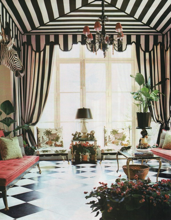 Richard-Keith-Langham-channeled-Dorothy-Draper-for-the-design-of-this-Vogue-wallpaper-wp5809134-1