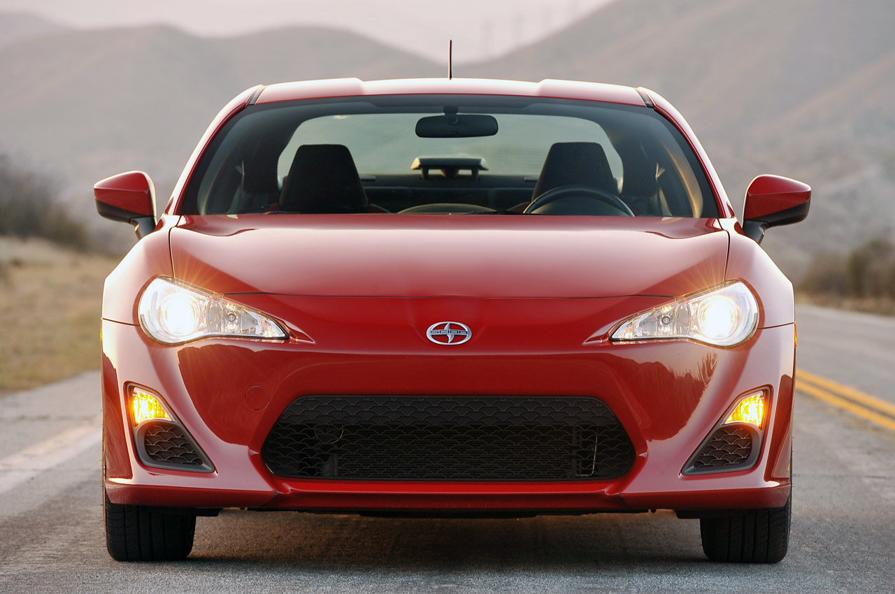 Scion-FR-S-Front-View-wallpaper-wp5802528-1