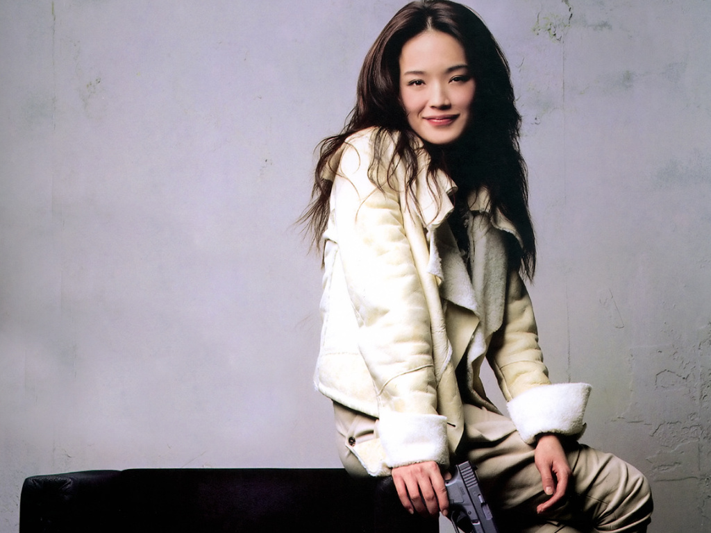 Shu-Qi-wallpaper-wp48010507